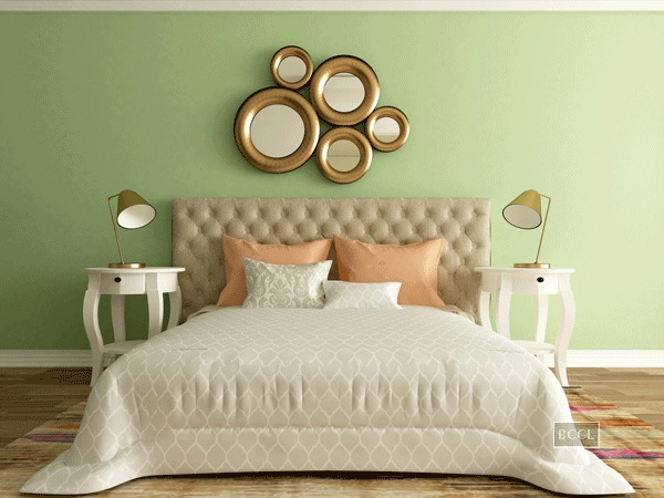 Here are few tips to choose right wall colours for a